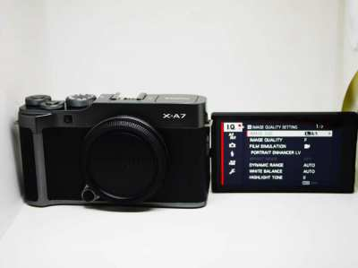 Fuji Fujifilm X-A7 24.2MP 4K Video Dark Silver Body, 3.5 inch LCD