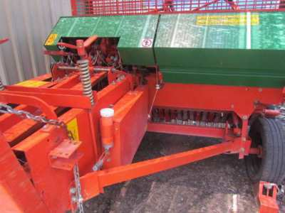 1 K1600S straw baler only 2.5 rice seasons old in very good condition