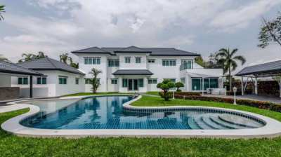 Newly Renovated 7 BR House with Guest House in Bang Lamung for Sale