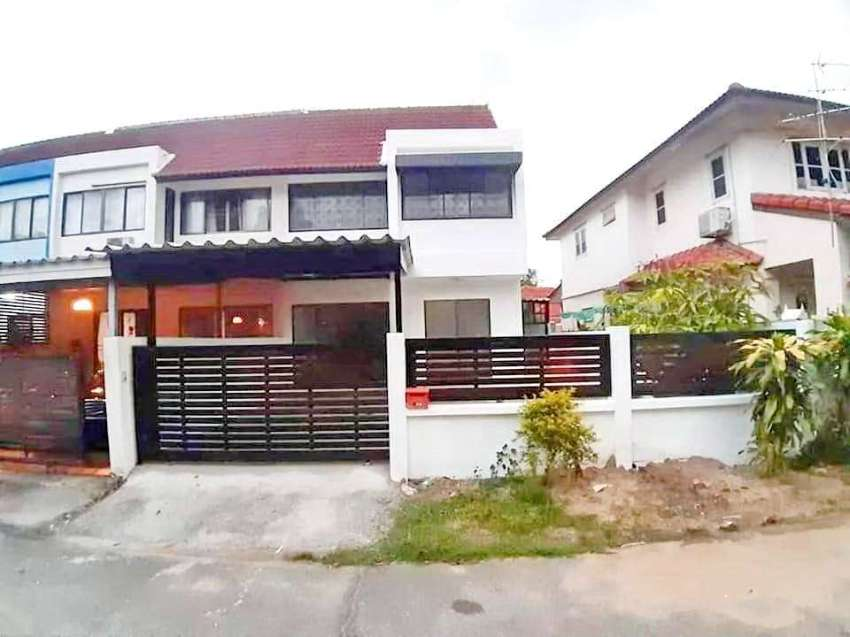 House for rent near Makro/Big C super store on Hang Dong Rd. 1 km. fro
