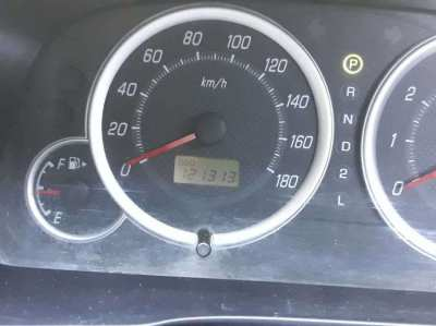 selling avanza car