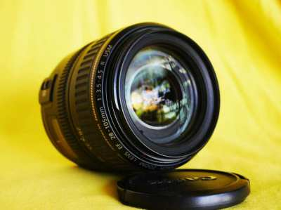 Canon EF 28-105mm f3.5-4.5 Full-Frame USM II Zoom Macro Lens