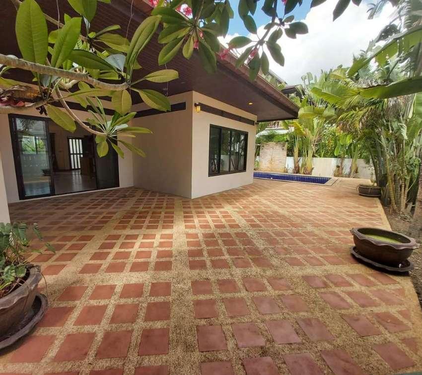 Private villa for QUICK SALE in Maenam