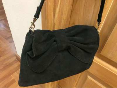 Cross hand bag velvet black