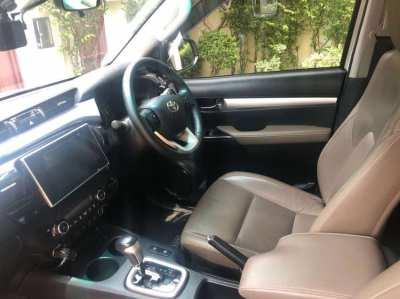 Toyota Hilux G trim