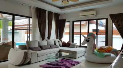 Luxury Pool villa with land size 800 SQM. in Pattaya City, Thailand