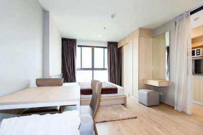 Fully Furnished Studio with Pool View in Condo with Amazing Facilities