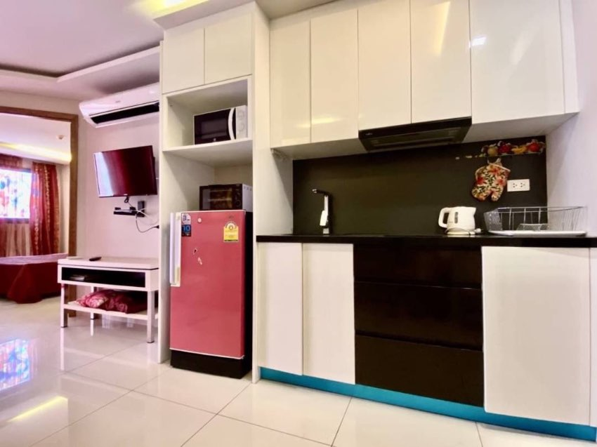 Super Cheap 1 Bed For Sale in Pratamnak Areas