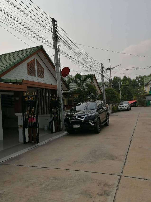 One story townhouse for rent East Pattaya 2 bedrooms close to Motorway