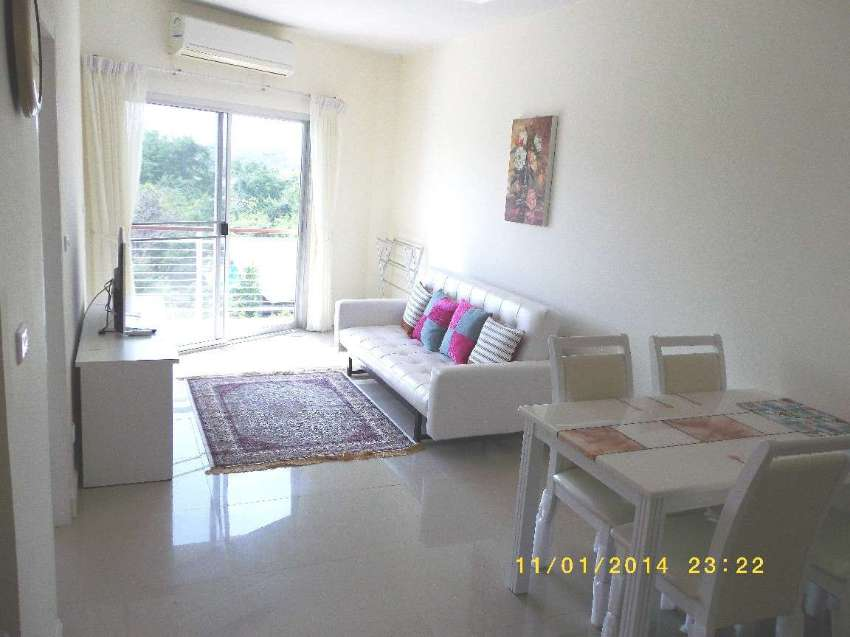 1 BR Modern Condo. Quiet and very close to facilities
