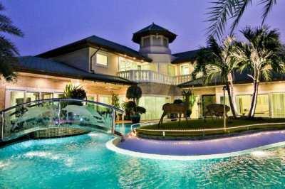 Unique Pool-Villa With Private Mooring Dock