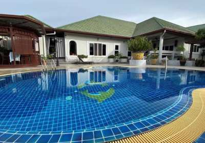 Large house on the lake in SP5 Siam country club road