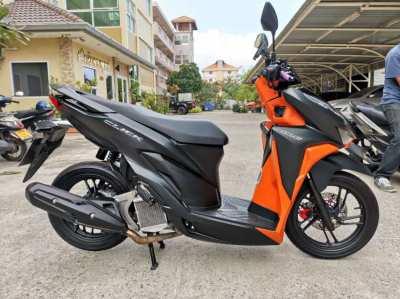 HONDA CLICK 150i     KEYLESS START 40,000 baht