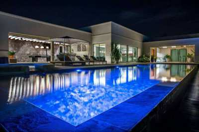 LUXURIOUS POOL VILLA FOR SALE