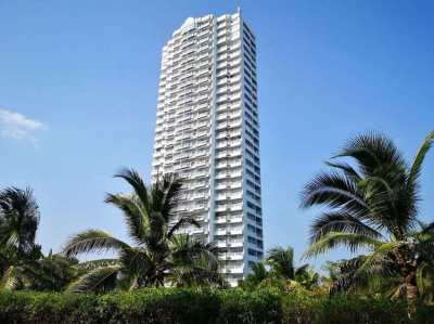Buy 2 condos on Mae Ramphueng beach. Special price 2,450,000 THB