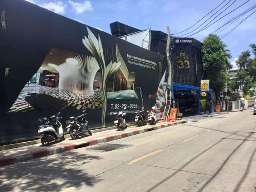 3 Story Land and Building for Rent in Sukhumvit Soi 33 (Daeng Udom)