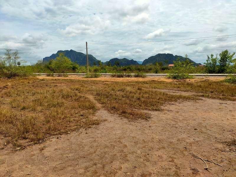 Beautiful Scenic Mountain View 1-1-0 Rai Just Outside Cha-am Town