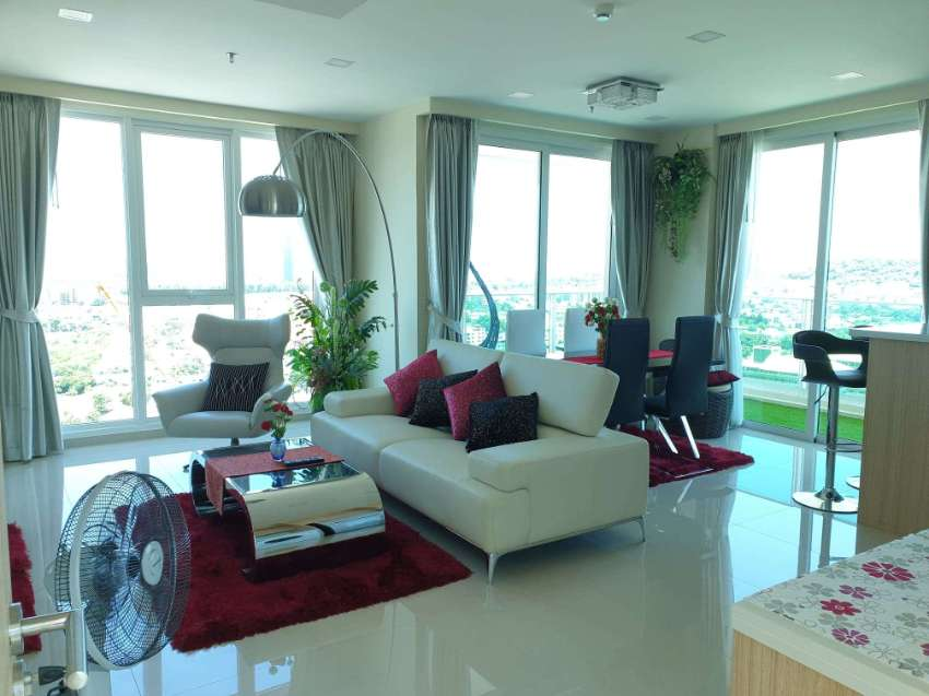 HIGHLY QUALITY 2 BEDROOMS IN THE HEART OF PATTAYA CITY