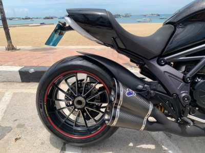 Ducati Diavel 1200CC 2013