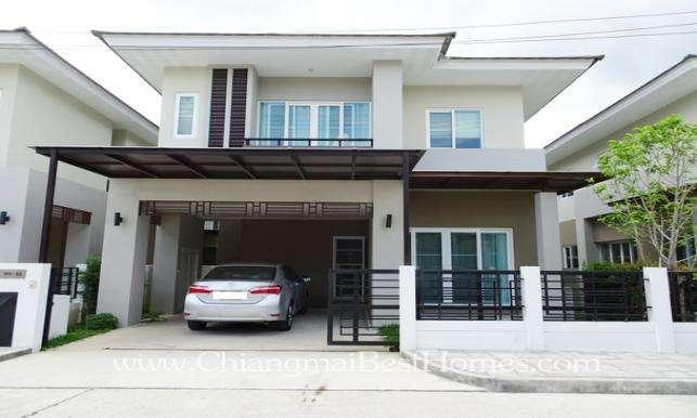 Well-designed House in The Urbana Near Promenada Shopping Mall