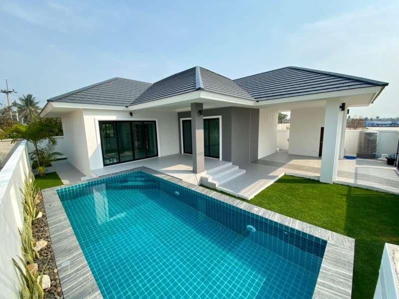 New Quality Built 3 BR 3 Bath Show Home Pool Villa Near Cha-am Town