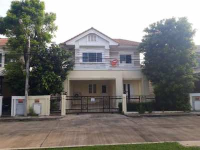 3 bed / 3 bath for rent in Lat Krabang near Robinson mall / Paseo Mall