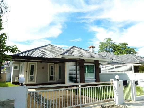 House for sale . 1.5 km. from Kad Farang on Hang Dong Rd.