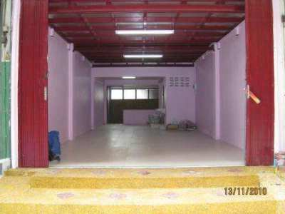 Shophouse for rent, very good location, well renovated, easy access
