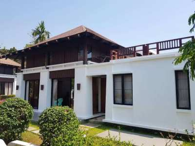 3 bedroom beach house on Chakpong beach in Rayong. Price 6,950,000 THB