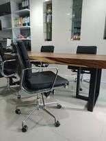 Beautiful office table and 4 business chairs