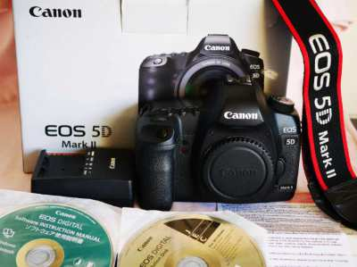 Canon EOS 5D Mark II in Box 21.1MP Professional Full Frame Dual card