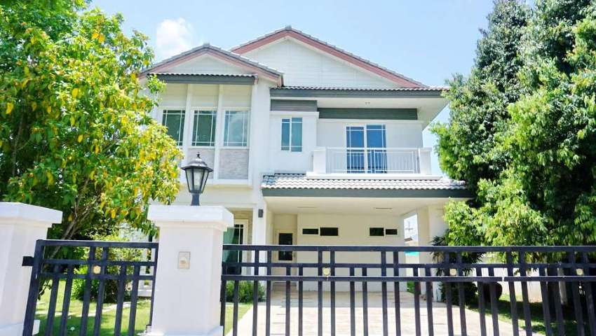 House for sale in Land & House on Maejo Rd.