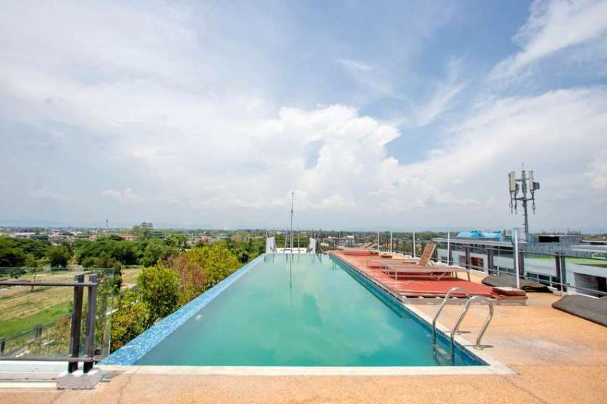 Boat Condo for sale, 400 meter from Central Festival shopping mall
