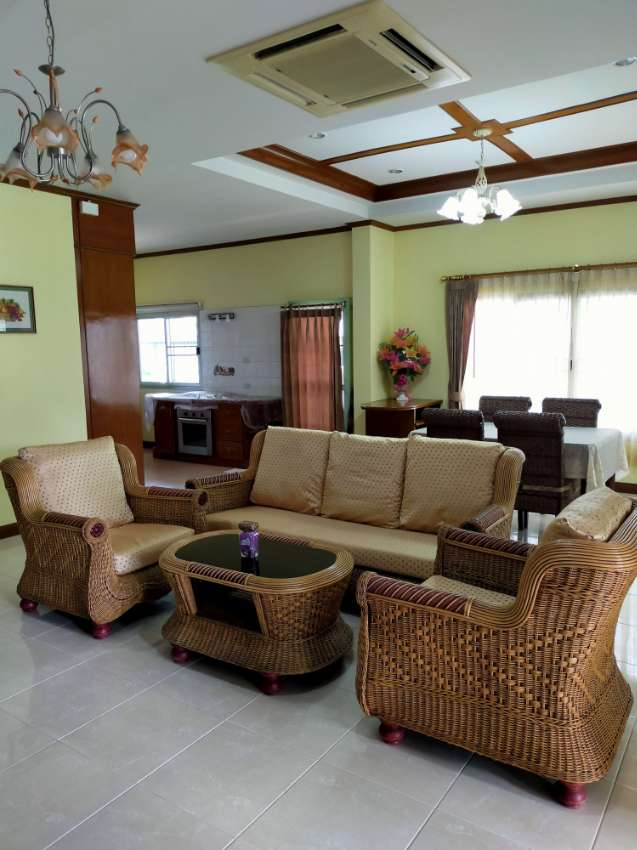 One story 2 bedrooms house for rent North Pattaya, fully furnished.
