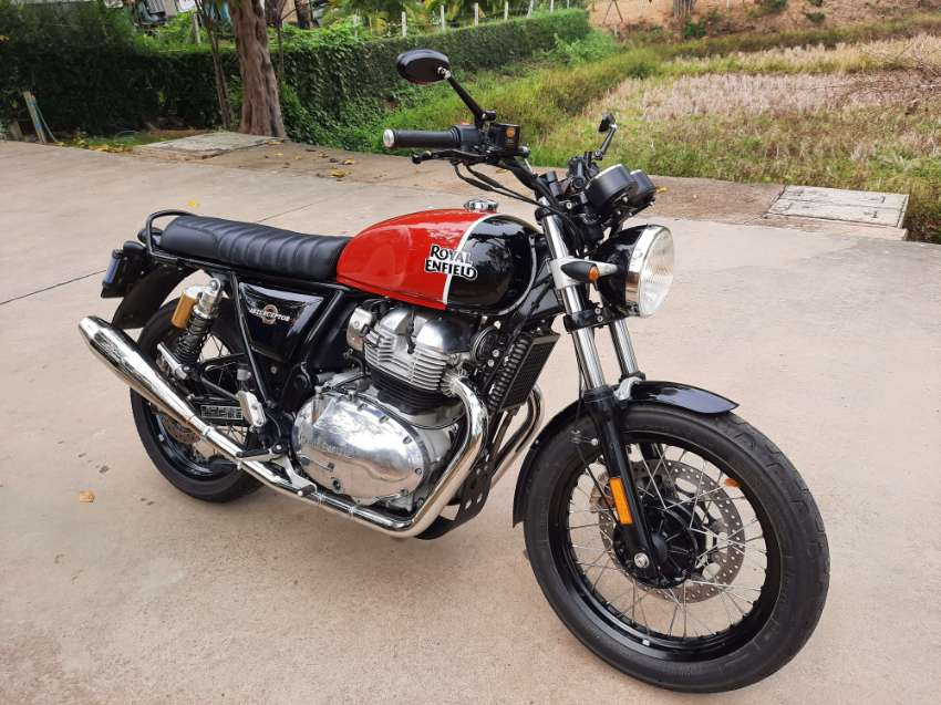Interceptor 650 Like new condition - looks & sounds great