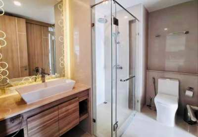 Looking for Someone to Clean My Bathroom (deep clean) Every Week.