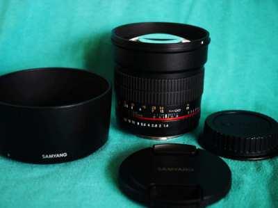 Canon EF Mount Samyang 85mm F1.4 AS IF UMC Aspherical Prime MF Lens