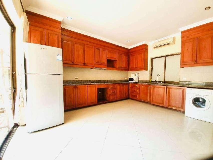 8 BEDROOM HOUSE NEAR DONG TARN BEACH JOMTIEN FOR RENT 东滩中天近东滩八居室出租