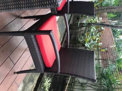 Rattan table and chairs + cushion