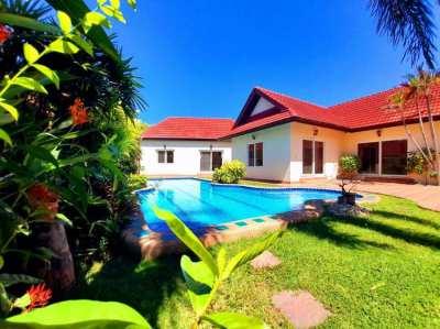 4beds 45,000 baht/month South Pattaya Pool villa ( Sukhumvit side )