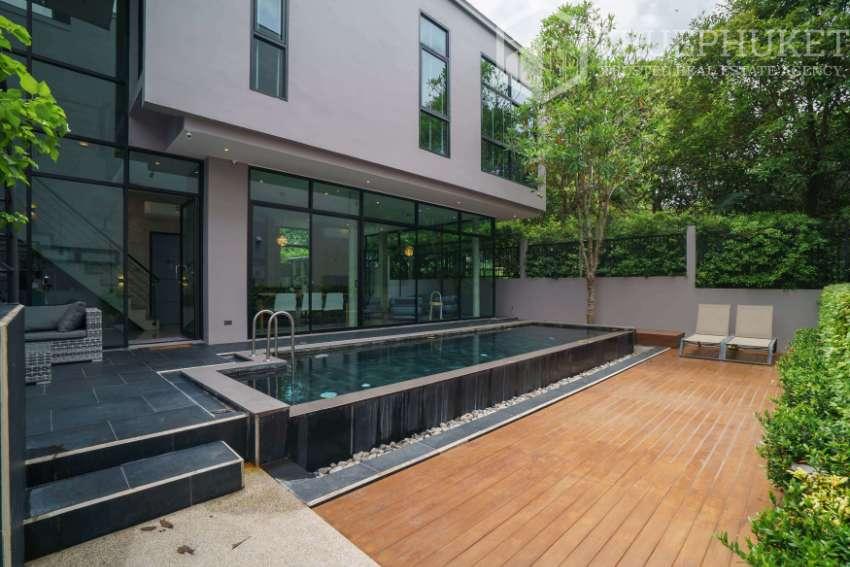 4 Bedroom Pool Villa in Thalang