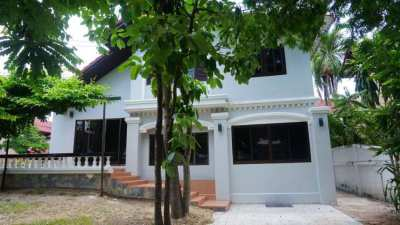 House for sale 1.5 km. from Central Festival, Chiang Mai-DoiSaket Rd.