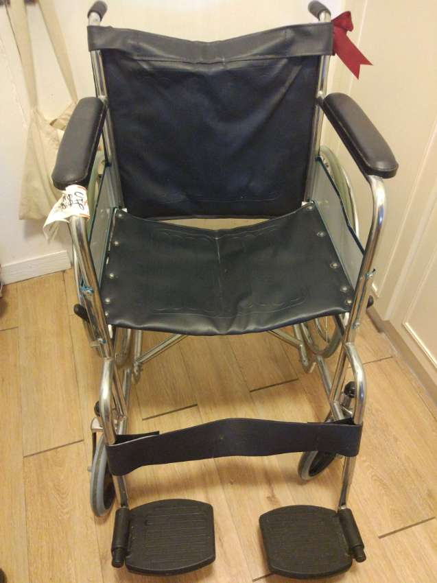 Wheelchair needs a new home, medical quality, used oly once