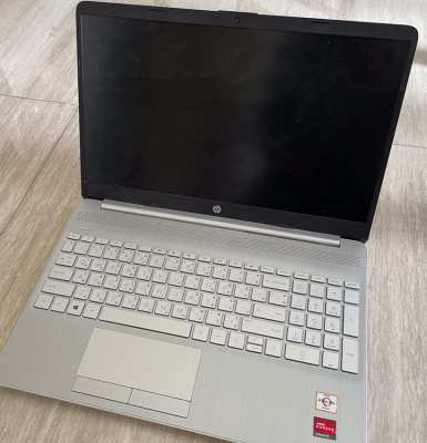 HP LAPTOP + BAG - 6 MONTHS OLD - 40%+ DISCOUNT