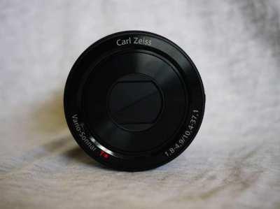 Sony Cyber-shot DSC-QX100 in Box, Carl Zeiss f/1.8 lens NFC Wi-Fi Lens