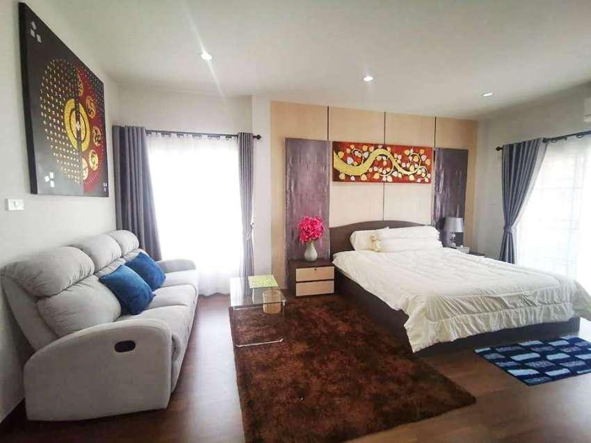 Wll-designed House Near Promenada Shopping Mall for SALE/RENT