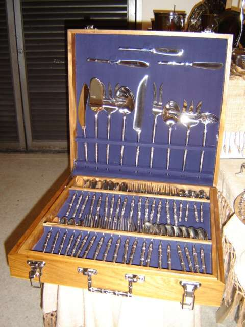 Cutlerry and plate stainless still made by hand