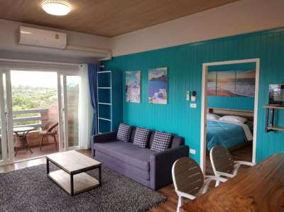 Very attractive renovated 1 bedroom beach condo with large terrace!