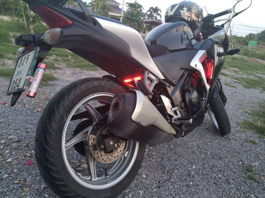 Honda CBR250R. 35,000 or nearest offer. Part exchange for a automat.