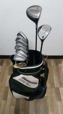 Complete golf club set (BRIDGESTONE)